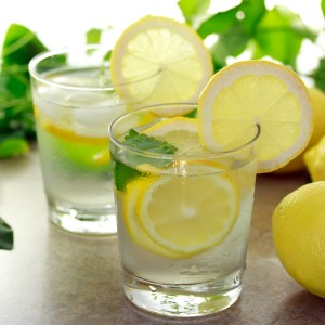 10-benefits-of-drinking-lemon-water11